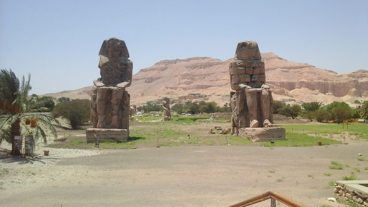 Luxor Reise Sharm El Sheikh Flugzeug