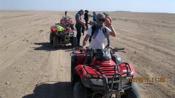Moto Safari de tres horas en Hurghada