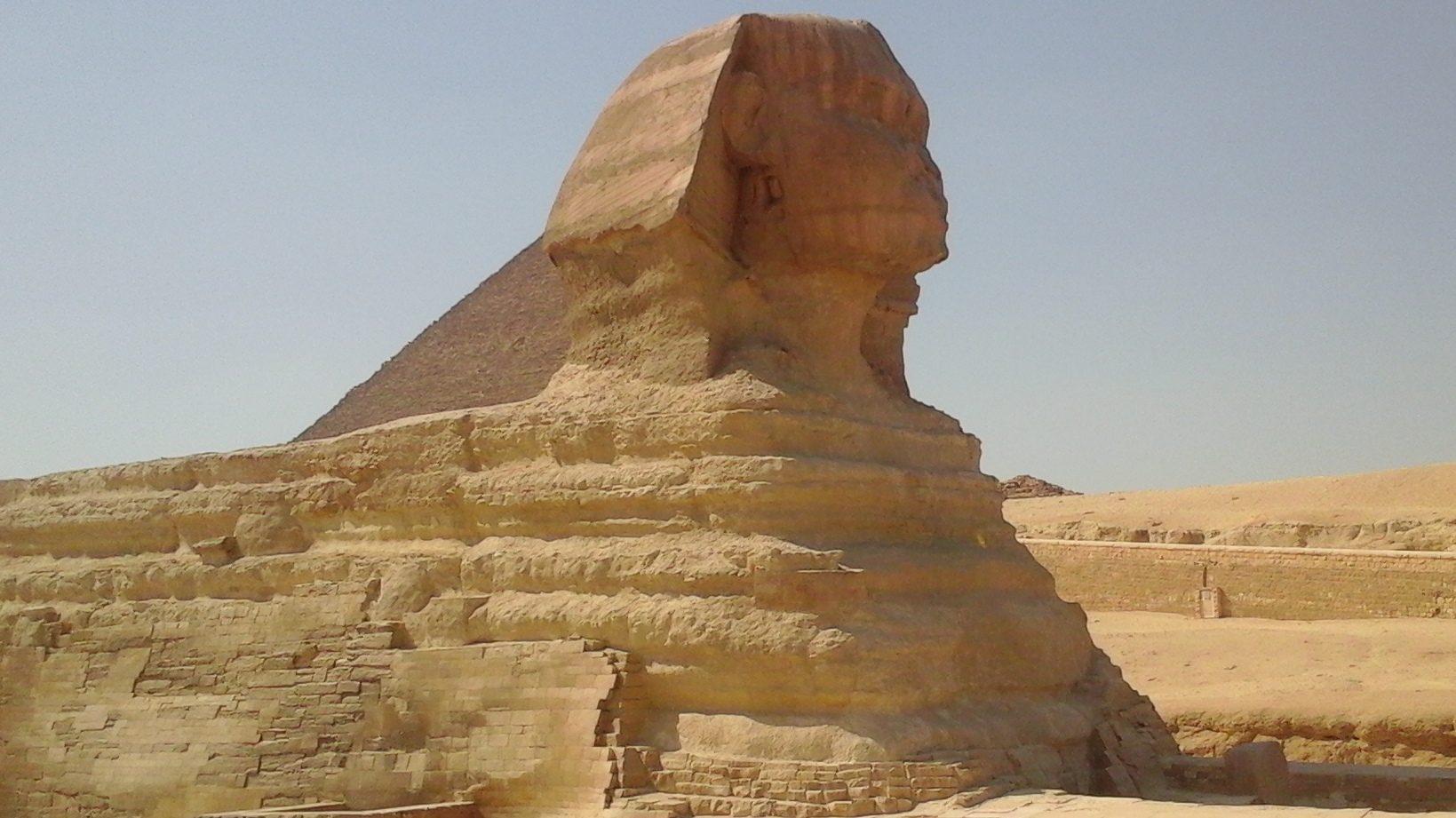Подорож до комплексу пірамід у Гізі
