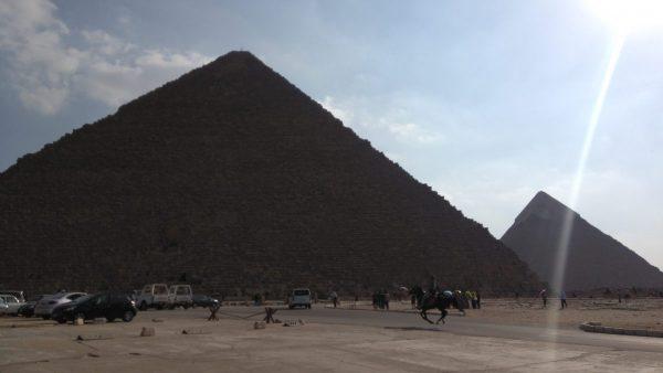 Поїздка піраміди Єгипетський музей в Каїр