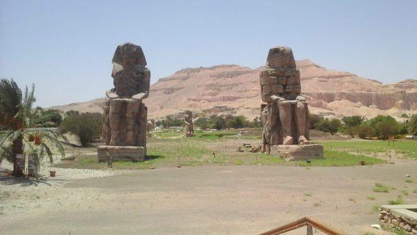 Luxor Übernachtung Kairo Flugzeug