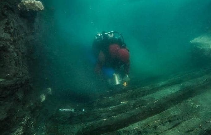 اكتشاف سفينة حربية من العصر البطلمي بخليج أبو قير