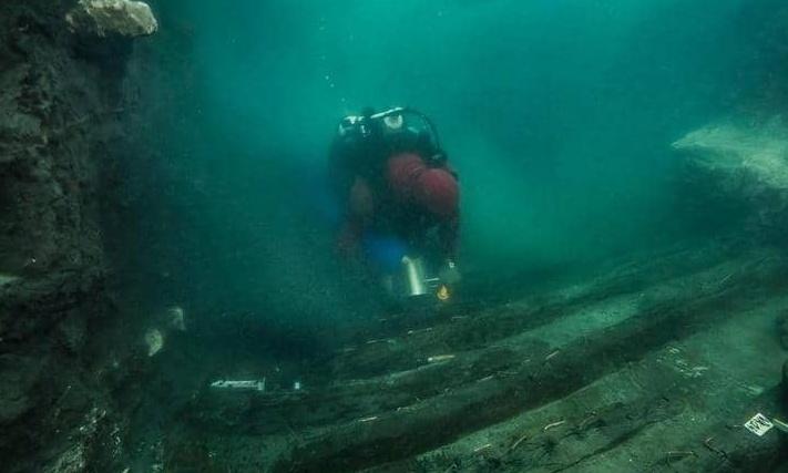 Odkrycie okrętu wojennego z epoki Ptolemeusza w zatoce Abu Qir